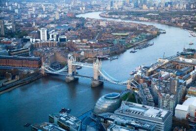 Papiers peints LONDRES, Royaume-Uni - APRIL15 2015: Tower Bridge à coucher de soleil.
