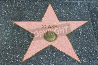 Papiers peints LOS ANGELES, USA - 5 AVRIL 2014: Slash (guitariste des Guns N 'Roses), célèbre au célèbre Walk of Fame à Hollywood. Hollywood Walk of Fame présente plus de 2 500 étoiles avec des noms de célébrités in
