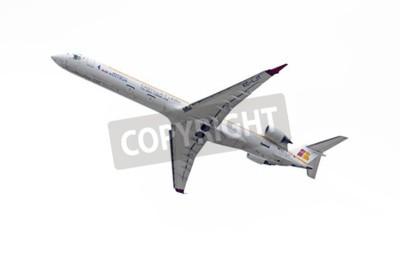 Papiers peints MADRID, ESPAGNE - 3 mai 2015: Avions Canadair CRJ - Bombardier 1000, des -Air Nostrum- aérienne, est en train de décoller de l'aéroport de Madrid-Barajas -Adolfo Suarez-, le 3 mai 2015e