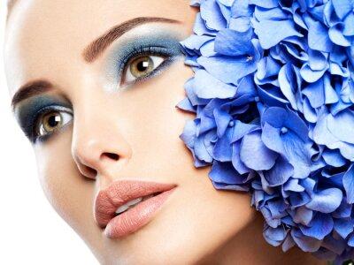 Papiers peints Makeup Face Flower Blue Woman Fashion