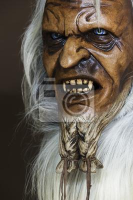 Masque en bois satanique du compagnon de Saint-Nicolas en Autriche