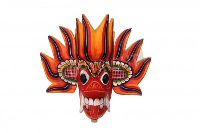 masque spirituelle african coloré isolé sur blanc