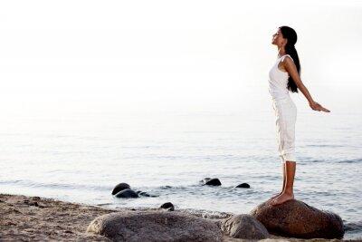 Papiers peints méditation sur la plage de sable