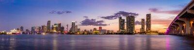 Papiers peints Miami city skyline panorama at twilight