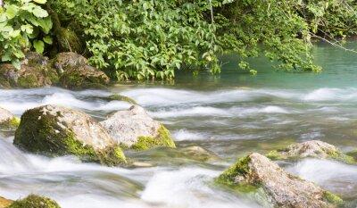 Papiers peints Montagne, rivière, Abkhazie, paysage Nettoyer la rivière coule dans les montagnes de l'Abkhazie.