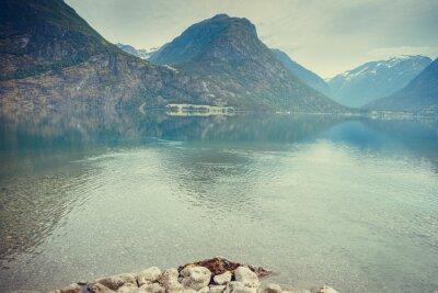 Papiers peints Montagnes et lac en Norvège,
