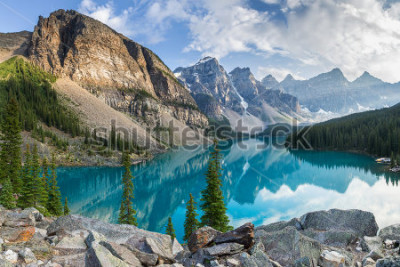 Papiers peints Moraine lake with the rocky mountains panorama in the banff canada