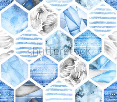 Papiers peints motif géométrique sans couture bleu sur fond blanc. Hexagone aquarelle abstraite avec feuilles de monstera, rayures. texture grunge Illustration de l'été peinte à la main. Style marin