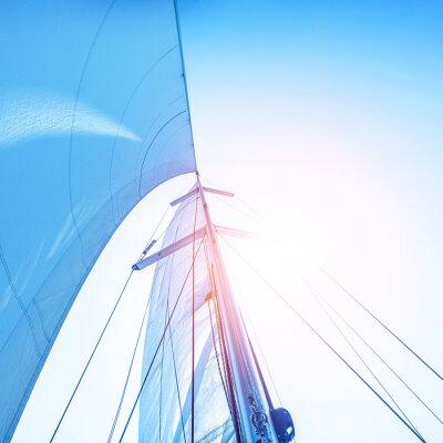Papiers peints Naviguez sur fond de ciel bleu
