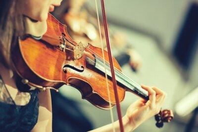 Papiers peints Orchestre symphonique sur scène, mains jouant du violon