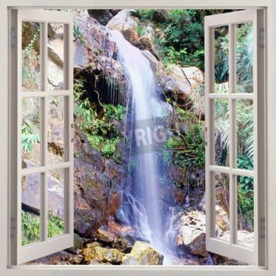 Papiers peints Ouvrir la vue de la fenêtre sur la petite cascade d'eau