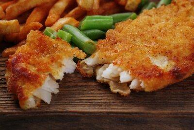 Papiers peints Pané filet de poisson frit et des pommes de terre avec des asperges