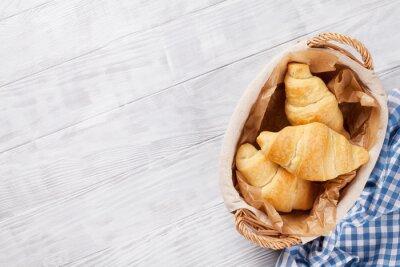 Papiers peints Panier de croissants frais