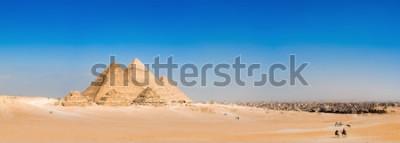Papiers peints Panorama de la région avec les grandes pyramides de Gizeh, Egypte