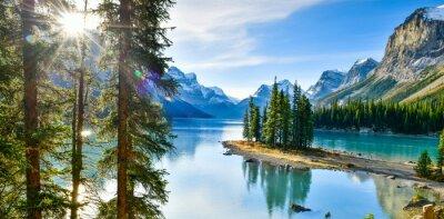 Papiers peints Panorama view Belle île Spirit au lac Maligne, Parc national Jasper, Alberta, Canada