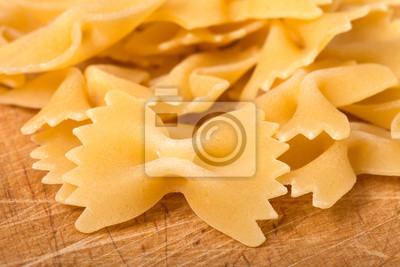 pâtes séchées sous la forme d'arcs