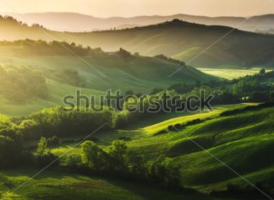 Papiers peints Paysage magnifiquement illuminé de la Toscane