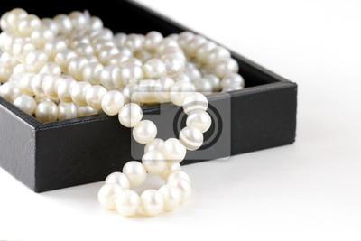 perles macro dans boîte cadeau noire