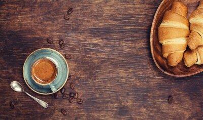 Papiers peints Petit déjeuner avec café et croissants