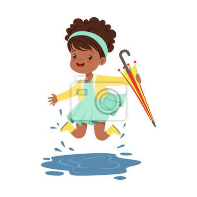 Papiers Peints Petite Fille Mignonne Tenant Un Parapluie Coloré Et Joue Dans