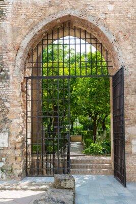 Papiers peints Porte des jardins de l'Alcazar à Cordoue