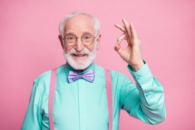 Papiers peints Portrait of positive cheerful old gentleman show okay sign decide choose perfect ads decisions choice wear good look outfit purple bow tie isolated over pastel color background
