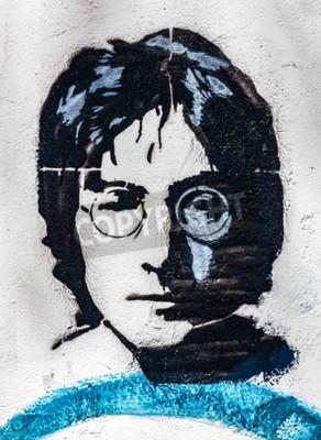 Papiers peints PRAGUE, RÉPUBLIQUE TCHÈQUE - 29 AVRIL 2016: John Lennon Wall, portrait. Le mur a été rempli de graffitis inspirés par Lennon et des paroles des chansons des Beatles depuis les années 1980 comme une ir