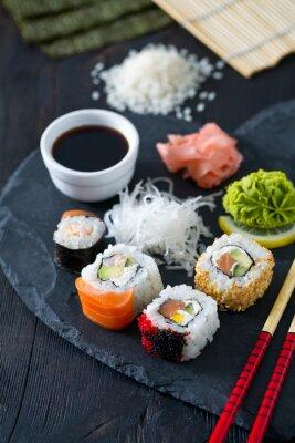 Papiers peints Préparer des sushis