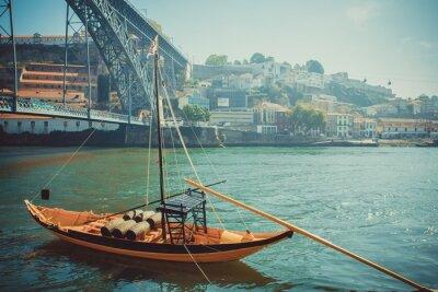 Papiers peints Rabelo bateau, transport traditionnel de vin de port sur la rivière Douro.