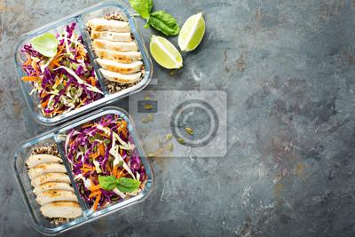 Papiers peints Récipients de préparation de repas sains avec quinoa et poulet