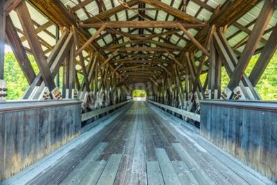 Papiers peints Rowell Covered Bridge est un pont couvert à Hopkinton, dans le New Hampshire, qui porte le chemin Rowell Bridge sur la rivière Contoocook. C'est un long pont en treillis.