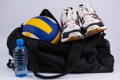 Papiers peints Sac de sport avec des vêtements de sport et de balle.