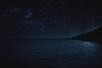 Papiers peints Scenic View Of Sea Against Sky At Night