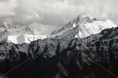 Papiers peints Snow mountain range, Leh Ladakh, India