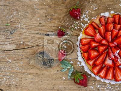 Strawberry cheesecake sur un fond en bois