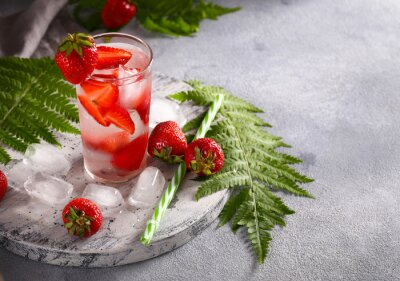 summer lemonade with mint and strawberries
