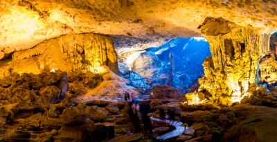 Papiers peints Sung Sot Cave à Halong Bay, Vietnam