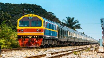 Papiers peints Train de voyageurs exclusif à la gare, 2013.
