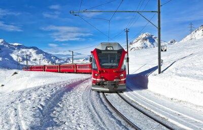 Papiers peints Un train-Rouge suisse qui traverse la neige