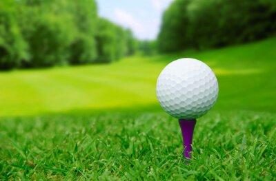 Papiers peints Une balle de golf sur le parcours