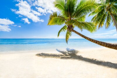 Papiers peints Vacances de plage sur une île déserte dans la mer