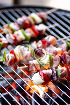 Papiers peints Viande et légumes sur le gril