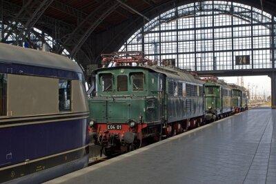 Papiers peints Vieilles locomotives à la gare