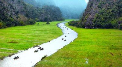 Papiers peints Vietnam voyage paysage. Rivière tordue et montagnes de Tam Coc Ninh Binh