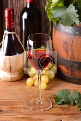 vino rosso di Vetro nel calice