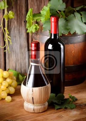 vino rosso e nel fiasco nella bottiglia