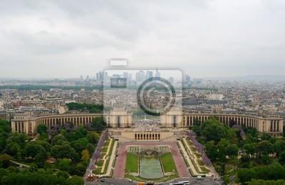Voir au palais de Chaillot.