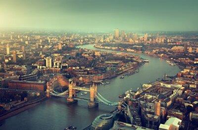 Papiers peints Vue aérienne de Londres avec Tower Bridge en temps de coucher du soleil