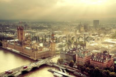 Papiers peints Vue aérienne de Westminster avec le paysage urbain de la Tamise et de Londres.