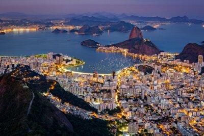 Papiers peints Vue aérienne spectaculaire sur Rio de Janeiro, vu de Corcovado. La célèbre montagne du Pain de Sucre colle sur la baie de Guanabara